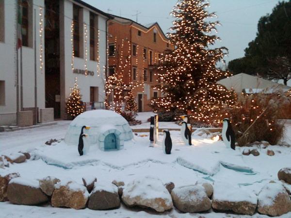 Lavorazioni in polistirolo paesaggio polare natalizio for Scenografie in polistirolo