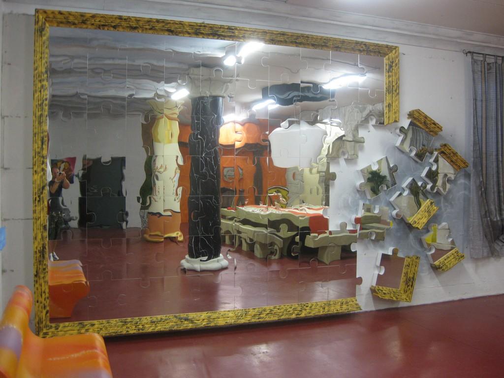 Lavorazione polistirolo scenografie ed oggetti poliplast s r l - Pareti a specchio ...