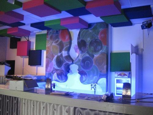 Lavorazioni in polistirolo rivestimento parete retro bar for Rivestimento bancone bar fai da te
