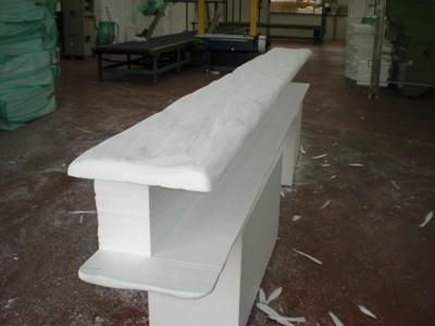 Lavorazioni in polistirolo rivestimento putrella in for Copri travi finto legno