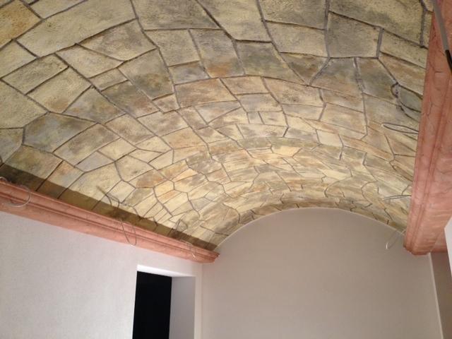 Lavorazioni in polistirolo rivestimento soffitto for Cornici in polistirolo per soffitti